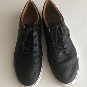 LACOSTE MENS LEATHER SHOES SIZE 10